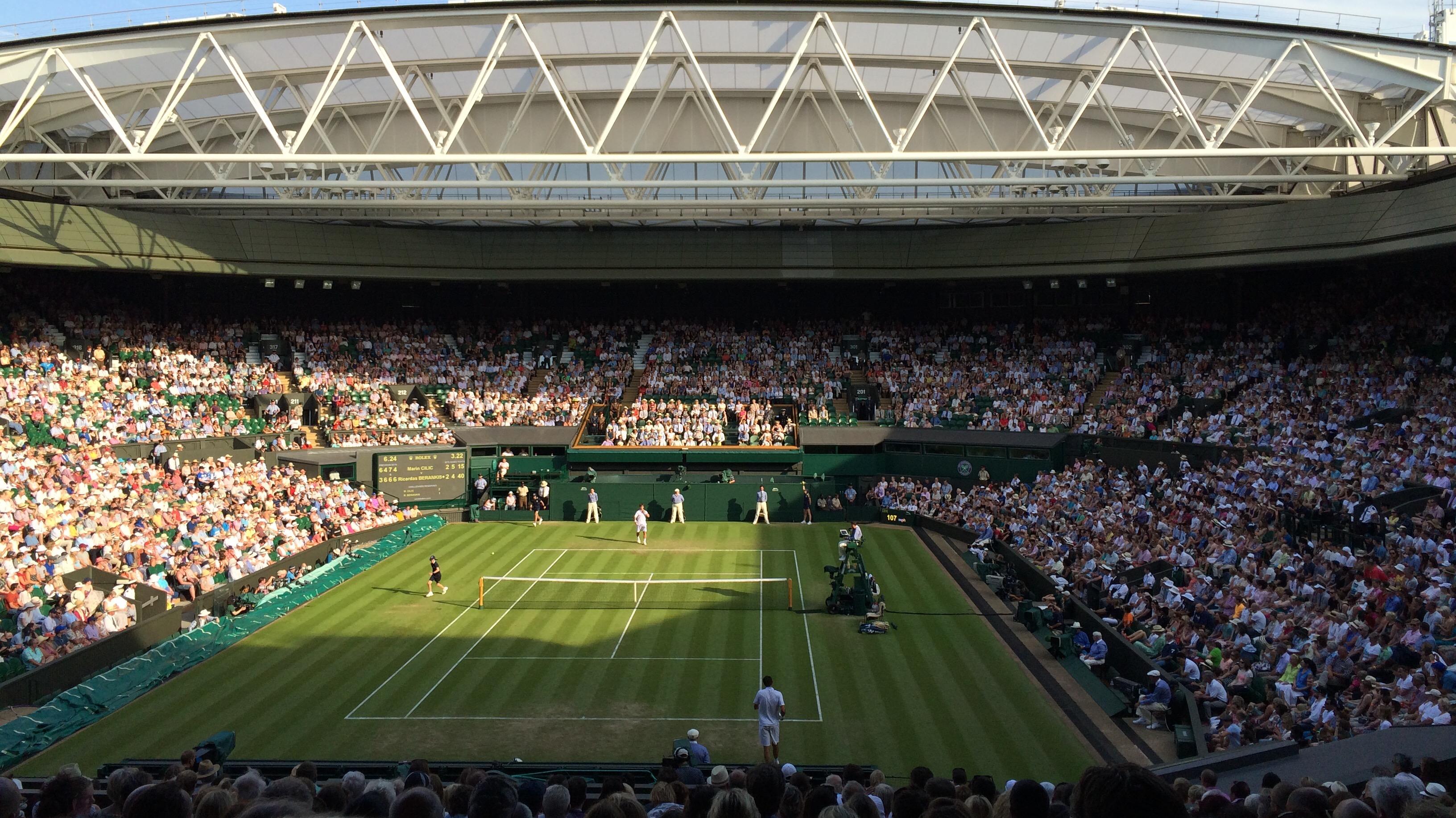 RolandGarros vs Wimbledon divise Lavazza